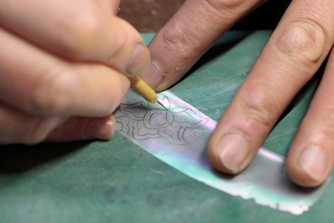 「嵯峩螺鈿・野村」の作品に用いられている貝